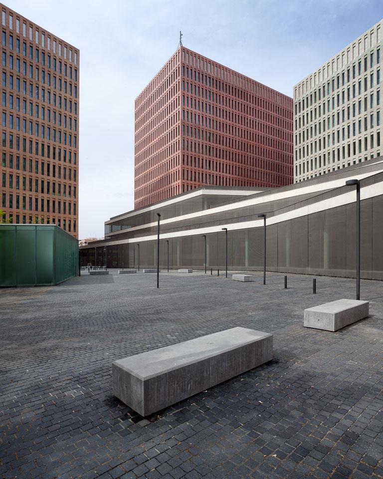 oliver-blum-architecture-ciutat-justicia-bcn-04.jpg